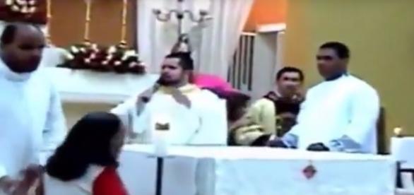 Vídeo mostra o pânico no momento da missa