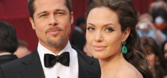 Angelina Jolie și Brad Pitt și-au anunțat divorțul