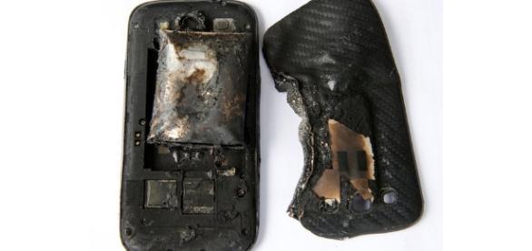 Explosão de celular (imagem indicativa)