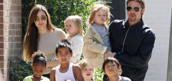 Angelina Jolie não ficou satisfeita com a forma do ex tratar as crianças