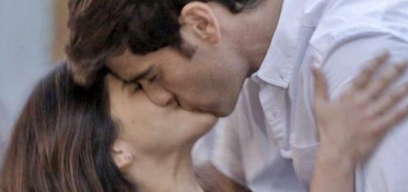 Felipe elogia o desempenho de Shirlei em sua primeira noite de amor