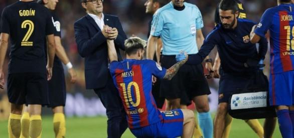 Imagen de Leo Messi lesionado contra el Atlético de Madrid en la Liga Santander