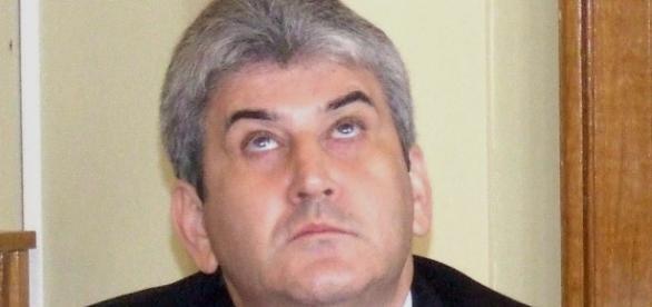 PSD și PNL de acord să reia votul în cazul Oprea