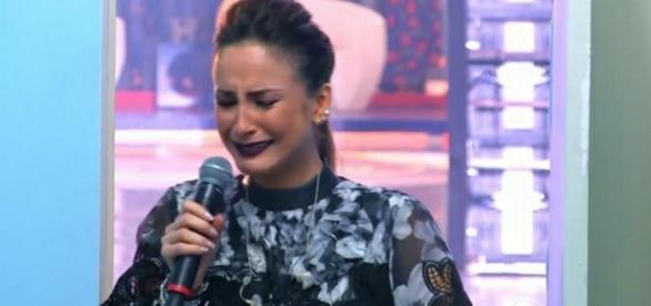 Cláudia Leitte chora na Globo - Google