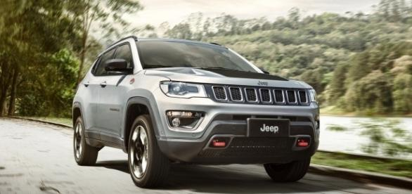 Entre os destaques do novo Compass, a Jeep chama atenção para a capacitação para uso fora de estrada, que andava esquecida no segmento