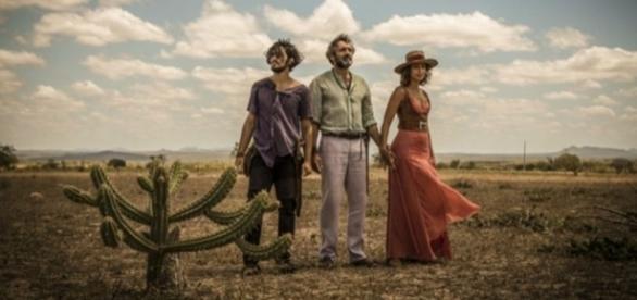 Final da novela 'Velho Chico': Santo aparta briga de Tereza e Miguel - com.br