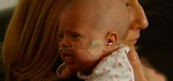 Menor bebê sobrevivente pesava apenas 229 gramas quando nasceu