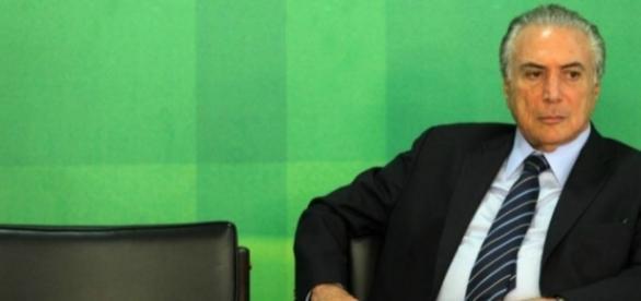 Michel Temer garante que não reduzirá verbas para a educação