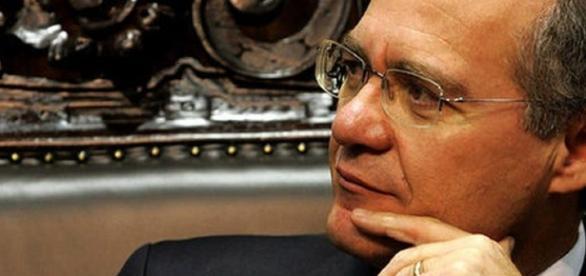 Presidente do Senado, Renan Calheiros, é investigado pela Polícia Federal, em relação a repasses ilícitos, realizados por empresas