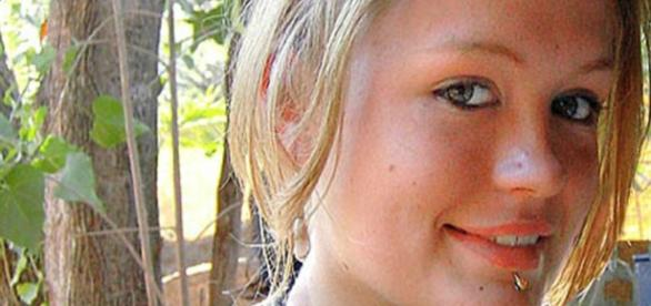 Scarlett Keeling foi assassinada em 2008, na Índia