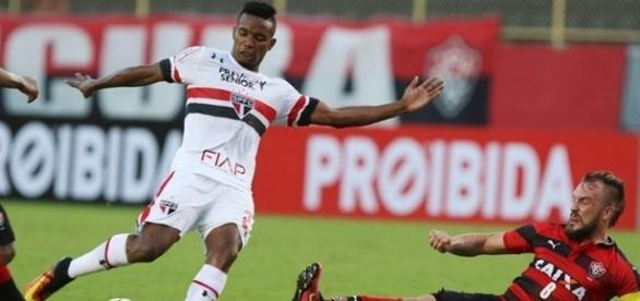 Três anos depois de flertar com o rebaixamento, Tricolor vive de novo o drama de lutar para permanecer na elite (Crédito: Rubens Chiri/saopaulofc.net)
