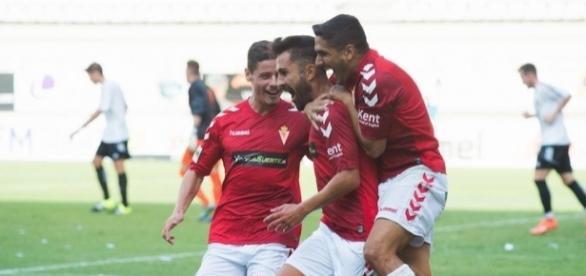 El Real Murcia se hace con la victoria en el primer partido de la ... - laverdad.es