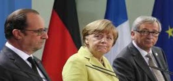 Juncker-Merkel-Hollande insieme al vertice di Berlino