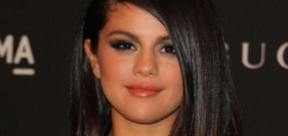 Les secrets Up and Down de Selena Gomez - Closermag.fr - closermag.fr