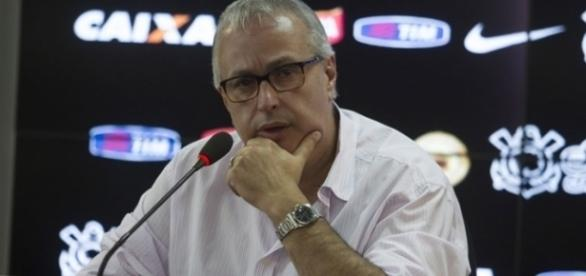 Mercado da bola: diretoria do Corinthians negocia com novo jogador