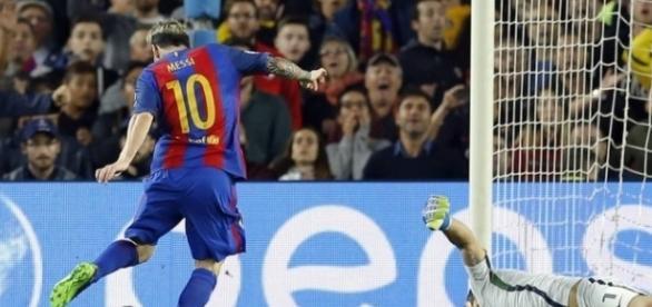 Na goleada, Messi brilhou em hat-trick.