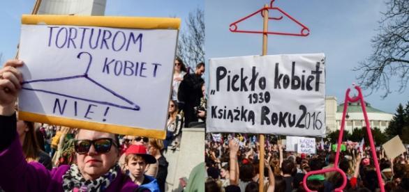 Pikieta przeciwników projektu zaostrzenia ustawy antyaborcyjnej