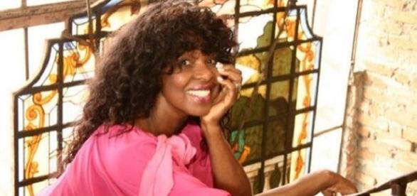 A cantora mineira Carmen Silva, também conhecida como Pérola Negra