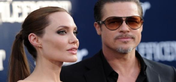 Angelina Jolie rupe orice legătură cu Brad Pitt