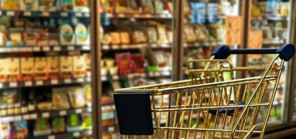 Dicas para economizar na lista de supermercado? A crise econômica agradece!