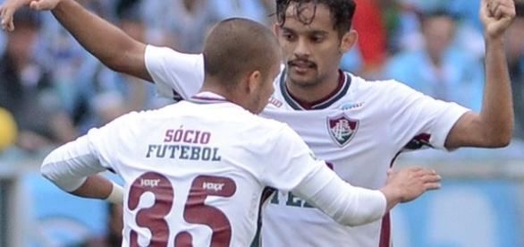 Gustavo Scarpa (comemorando gol com Marcos Júnior) é um dos mais eufóricos após vitória sobre o Corinthians (Foto: Arquivo)