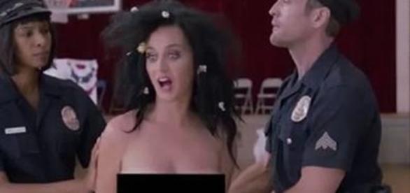A cantora Katy Perry participou de uma campanha de incentivo ao voto nos EUA