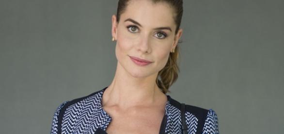Alinne Moraes é Diana na novela Rock Story