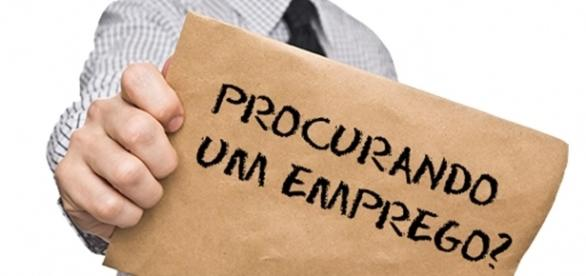 A indústria e comércio em geral busca funcionários extras a partir de outubro.