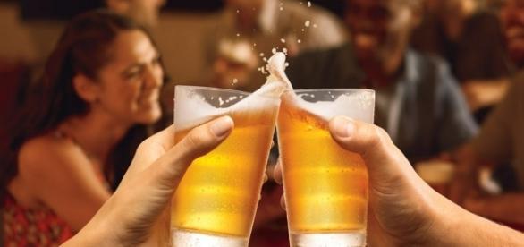 A pequena cidade de Bruges, na Bélgica, prepara-se para inaugurar um cano de 3 quilômetros que transporta cerveja.