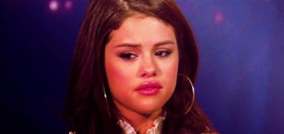 Selena Gomez é internada e fãs fazem orações