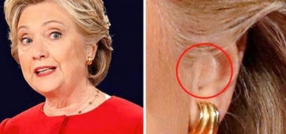 Teoria conspirației clamează faptul că Hillary Clinton a purtat un dispozitiv în ureche în timpul dezbaterii prezindențiale - Foto: Reuters