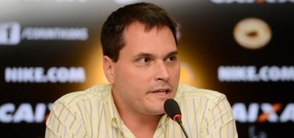 Diretoria do Timão segue observando o mercado da bola