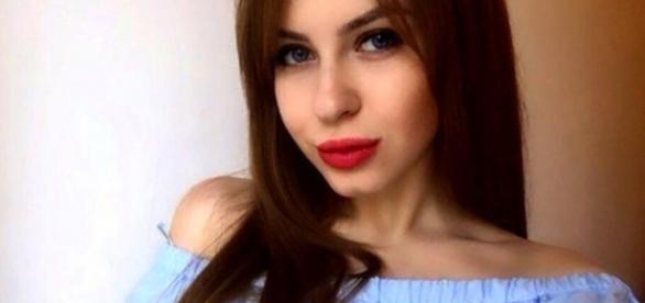 Ea este Ariana, rusoaica care își vinde virginitatea