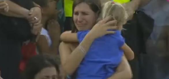 Mãe perde filha em jogo - Foto/Reprodução: Youtube