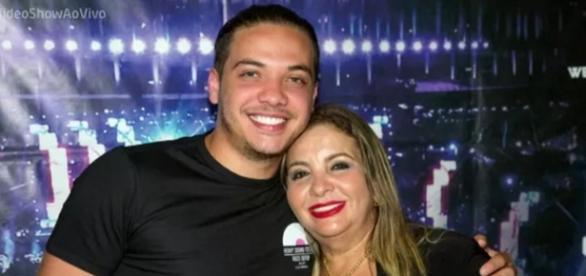 Wesley Safadão e sua mãe - Foto/Montagem