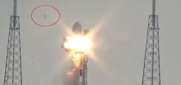 Funcionário que presenciou a cena disse ter notado luzes estranhas no céu (Youtube)