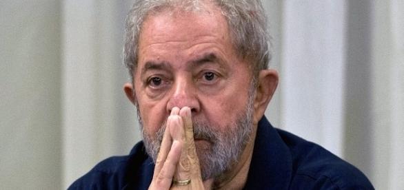 Para a força-tarefa, Lula nunca deixou de ser suspeito de participar ativamente do esquema de corrupção