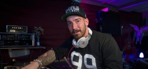 "Als DJ tobt er sich im Studio ... | ""Emotionaler Dreh"": Jan Leyk ... - ok-magazin.de"