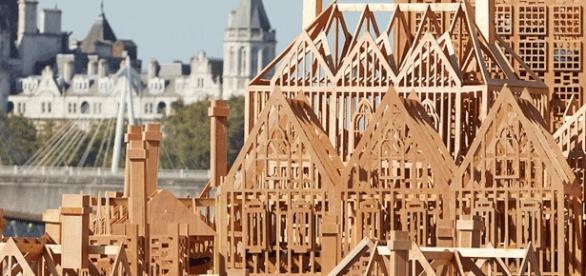 Gigantesque quartier éphémère, cette maquette sera embrasée ce 4 sept. au soir, à Londres