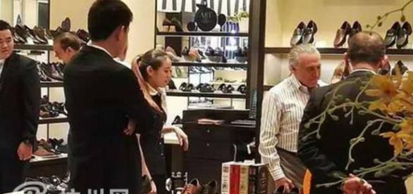 Temer aproveita a pausa na agenda para faze compras em shopping na China