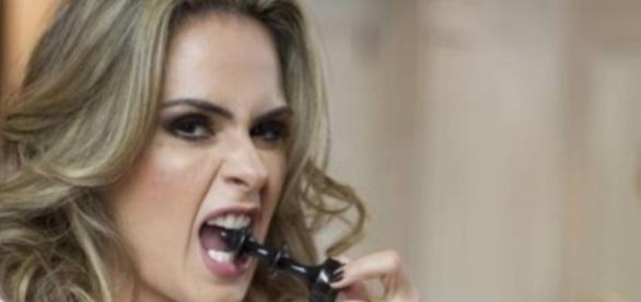Descubra as intimidades de Ana Paula Renault