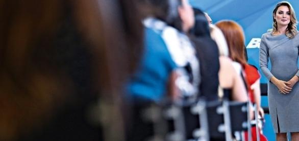 Marcela Temer, mulher do presidente Michel Temer, ensaia aparição pública em programa social