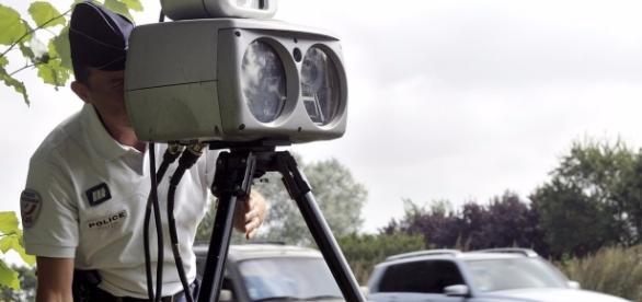 Contrôles routiers, radars : leur annonce autorisée sur Facebook
