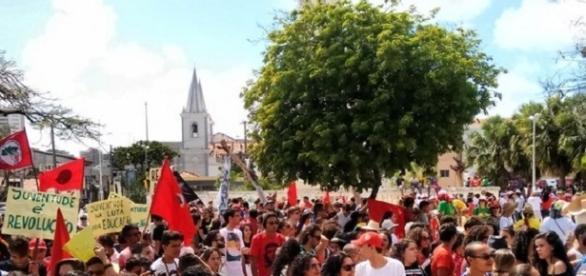 Milhares de pessoas protestaram em todo o Brasil