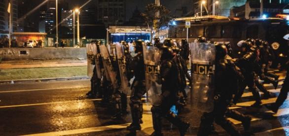 Polícia Militar avança contra manifestantes em São Paulo, no último domingo, 4 (Foto: Mídia Ninja)