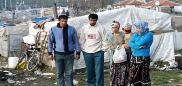 Tiganii sunt supărați pe români, acuzând faptul că sunt pesecutați