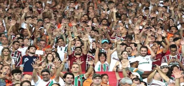 Torcida promete ir em bom número para apoiar o Fluminense no clássico diante do Botafogo (Foto: Globo Imagens)