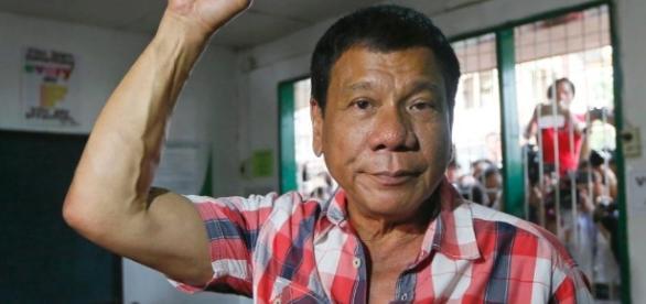 """Filippine, presidente Duterte minaccia Obama: """"Figlio di p…"""" - algheronewsitaly.com"""