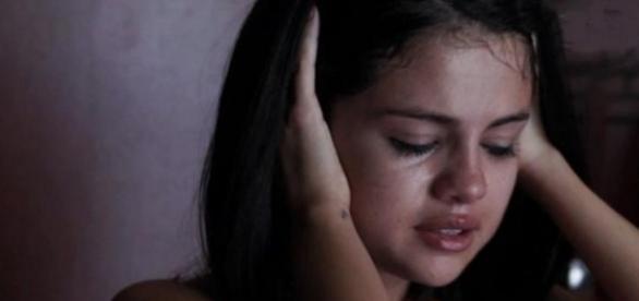 Médico diz que Selena Gomez está muito doente