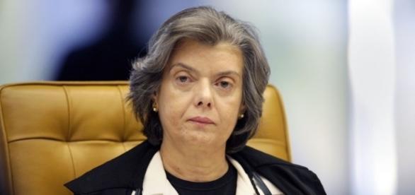 Ministra Cármen Lúcia terrá sua posse, como presidente do Supremo no dia 12/09